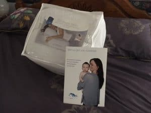 breastfeeding-pillow-review