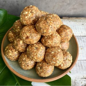 healthy-kids-snack-date-apricot-bliss-balls